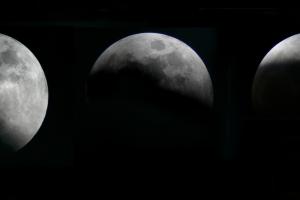 lunar-eclipse-27oct04-strip-mosaic